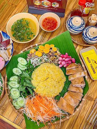 muoi thuong - com ga & mon que phu yen