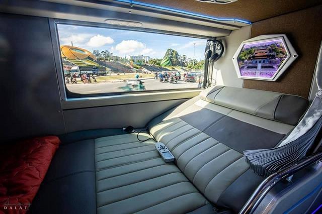moi khai truong xe limousine giuong doi danh rieng cho couple vi vu da lat: sang-xin-min nhu khach san 5 sao  - anh 4