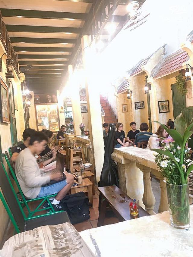ngach 160 - quan cafe phong cach ha noi