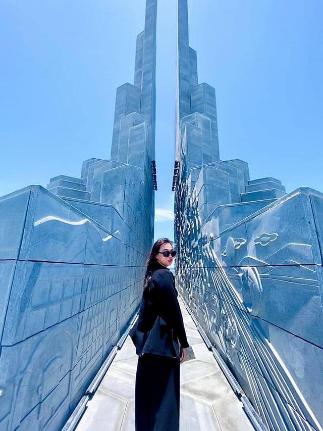 Bắt bài tọa độ quảng trường Nghinh Phong đẹp xỉu up xỉu down vừa mới khánh  thành | riviu.vn