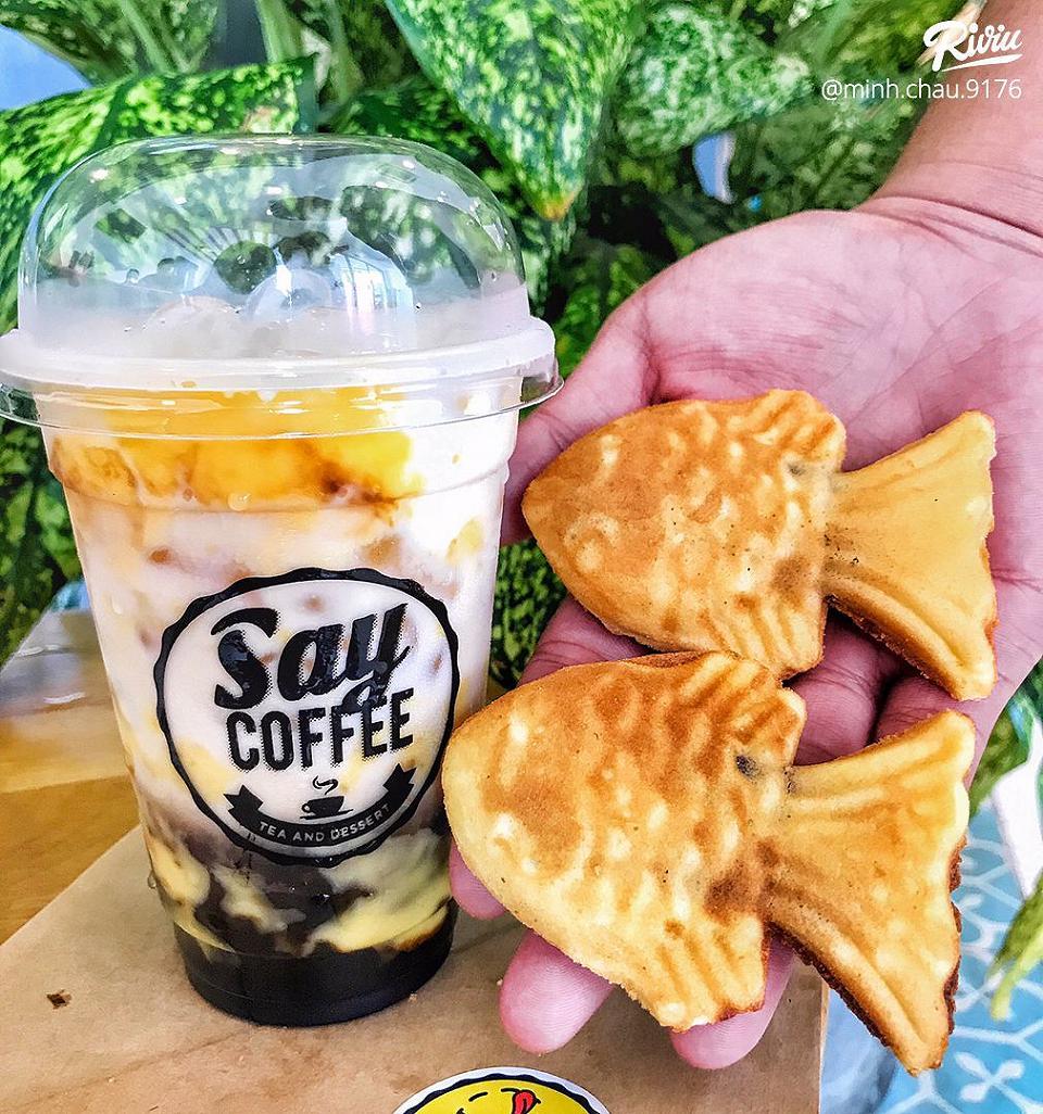 say coffee 24h mua 1 dươoc quá trời dồ ăn vaŏt - bánh cá daôu dỏ cùng mì hải sản siêu cay dồng giá 1k - anh 3