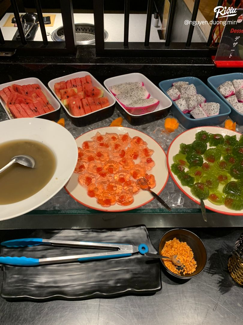 buffet nướng siêu hấp dẫn cùng với vô số các loaoi thiot - anh 6