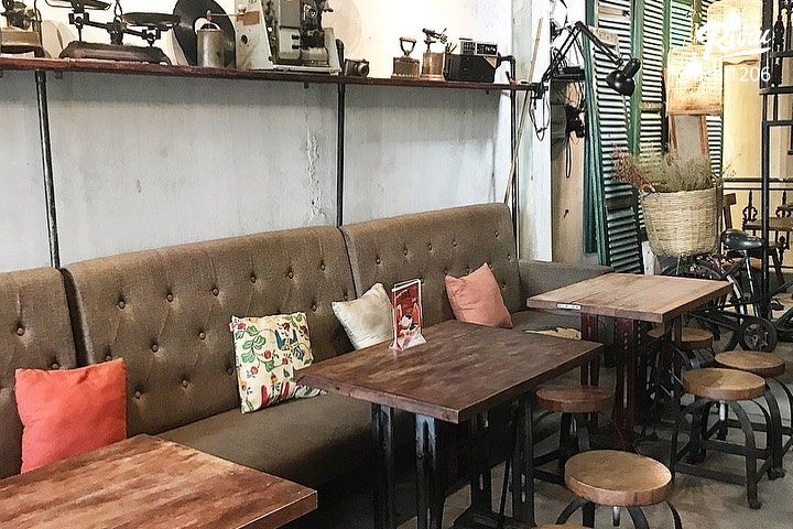quan cafe voi phong cach co dien - anh 2
