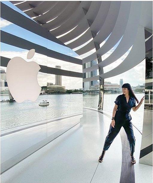 sau bao ngay cho doi, apple store ''noi tren mat nuoc'' chinh thuc khai truong khien fans dung ngoi khong yen - anh 20