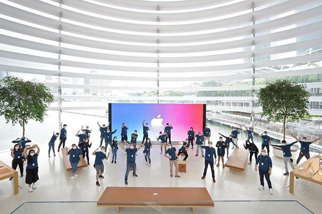 sau bao ngay cho doi, apple store ''noi tren mat nuoc'' chinh thuc khai truong khien fans dung ngoi khong yen - anh 8